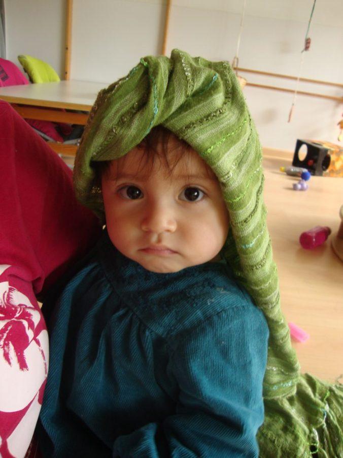 Isabella amb mocador